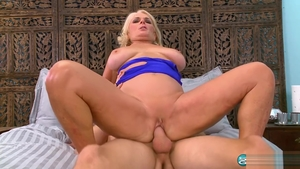 Good fucking starring mature Georgette Parks in park