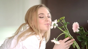 Teen chick Jenny Wild reverse cowgirl