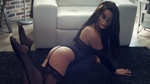 Sensual kissing starring long hair queen in tight stockings HD