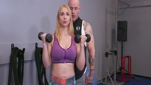 Sarah Vandella pussy eating at the gym