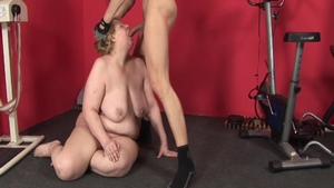 Raw fucking with thick MILF