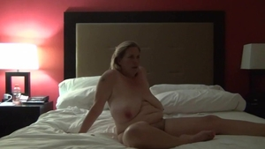 Very hawt mature finds irresistible ramming hard HD