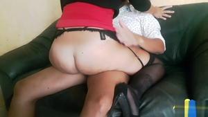 Upskirt hard nailining escorted by big butt brunette