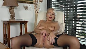 Blonde babe masturbation big boobs in sexy stockings solo