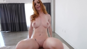 Very sexy babe digs good fuck HD