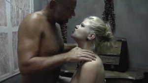 Italian mature feels the need for plowing hard in HD