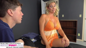 Hard ramming escorted by hot american mature Jayna Woods in HD