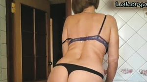 Super sexy housewife really likes rough sex HD