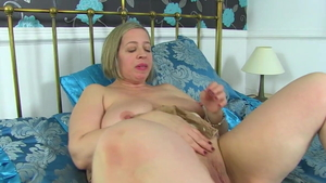 Busty british Shooting Star in sexy stockings
