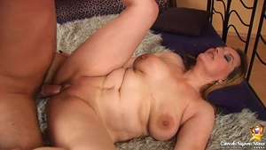 Real sex in company with chubby czech babe