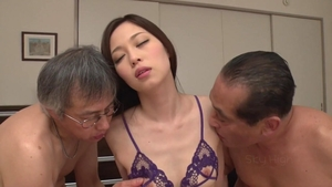 Rough nailing accompanied by beautiful japanese pornstar