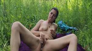 Amateur receives sex in HD