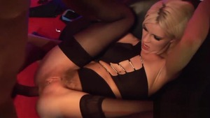 Loud sex luscious blonde in sexy lingerie