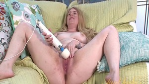 Chubby amateur homemade masturbation playing with toys HD