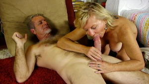 Beautiful MILF cowgirl sex HD